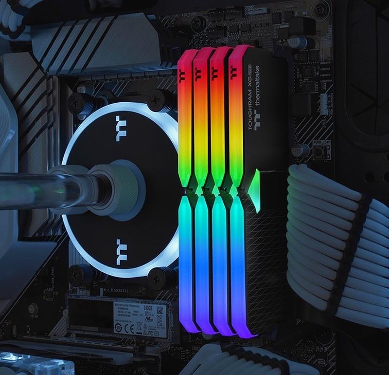 Thermaltake ToughRAM XG RGB - podświetlenie LED