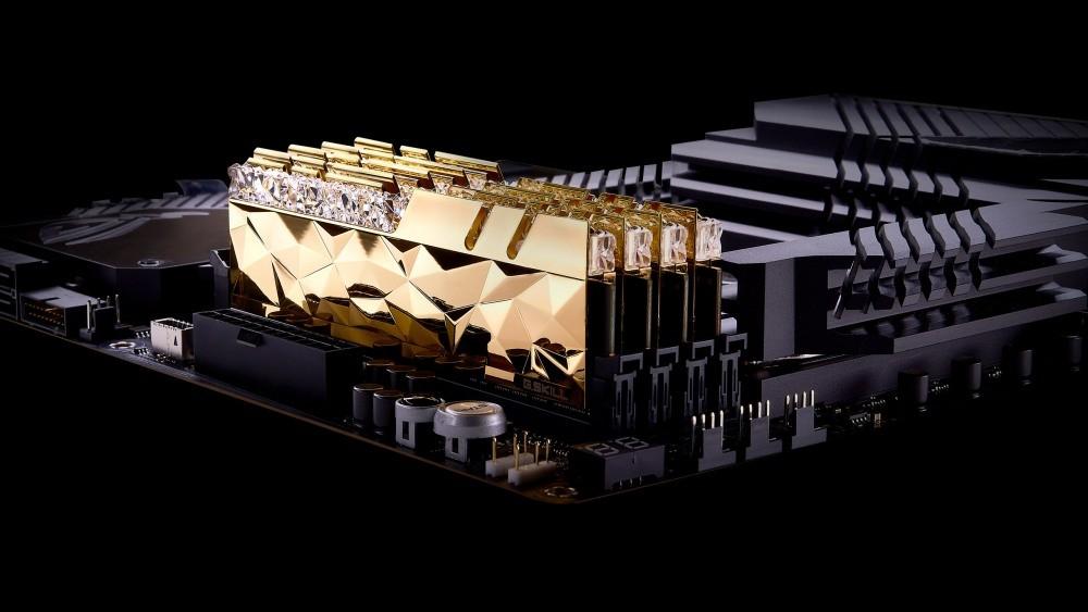 G.SKILL Trident Z Royal Elite - złote moduły na płycie głównej
