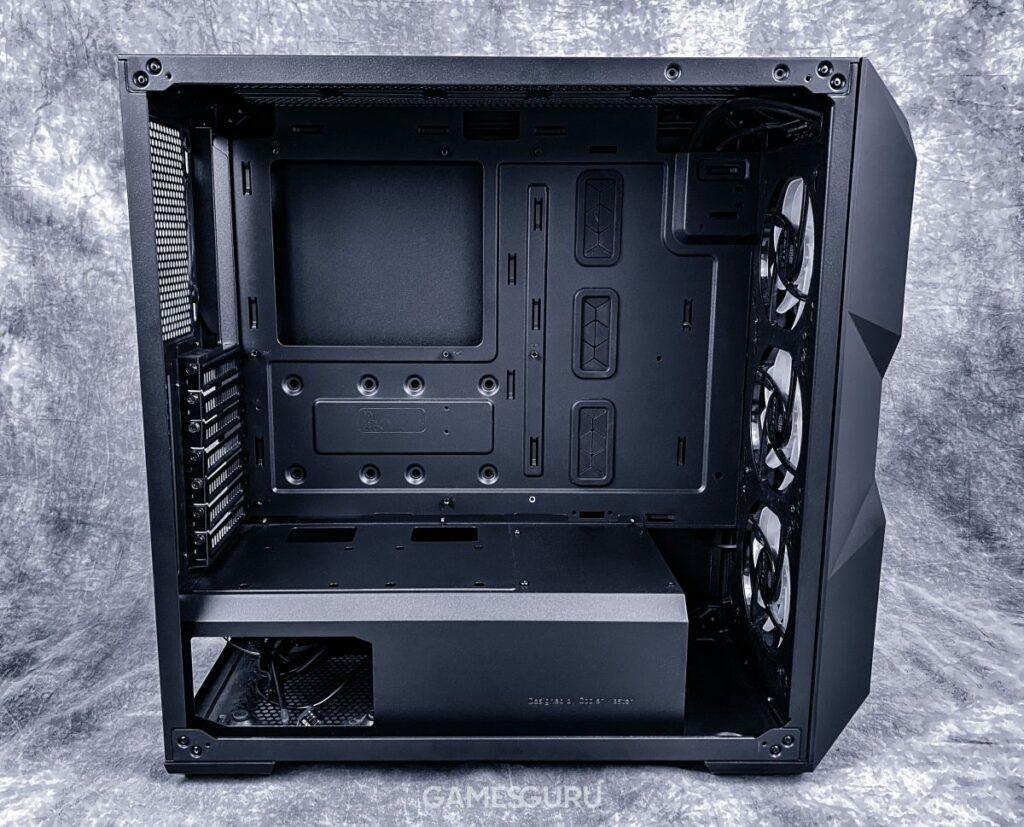 Cooler Master TD500 Mesh - wnętrze