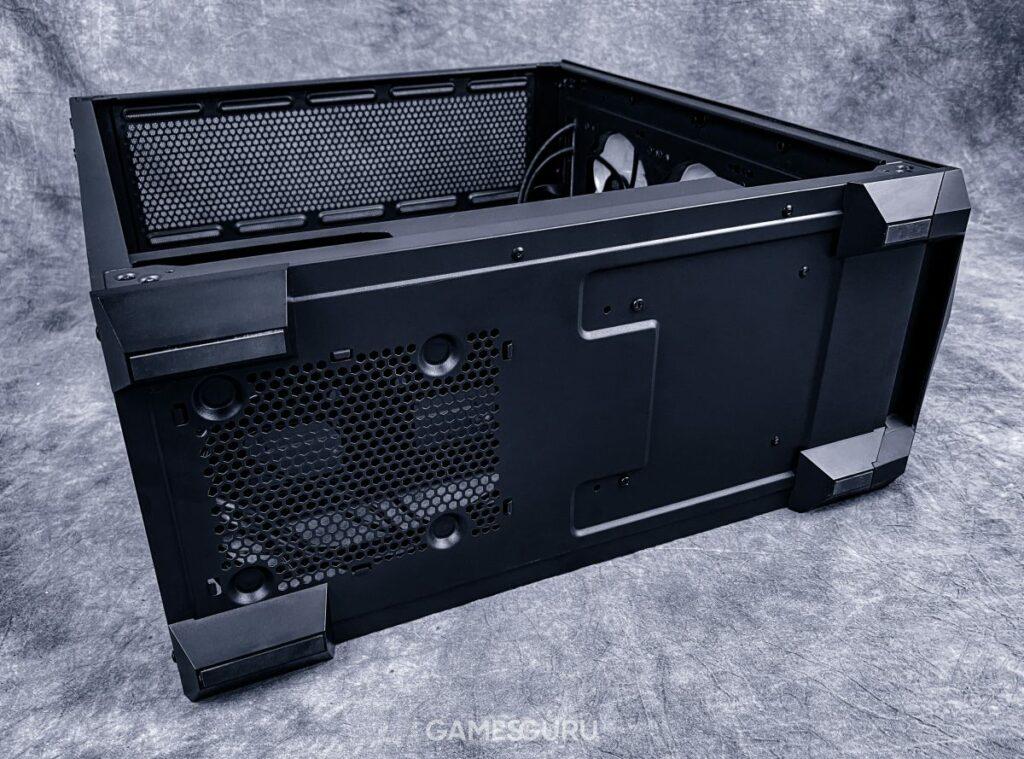 Cooler Master TD500 Mesh - spód i nóżki