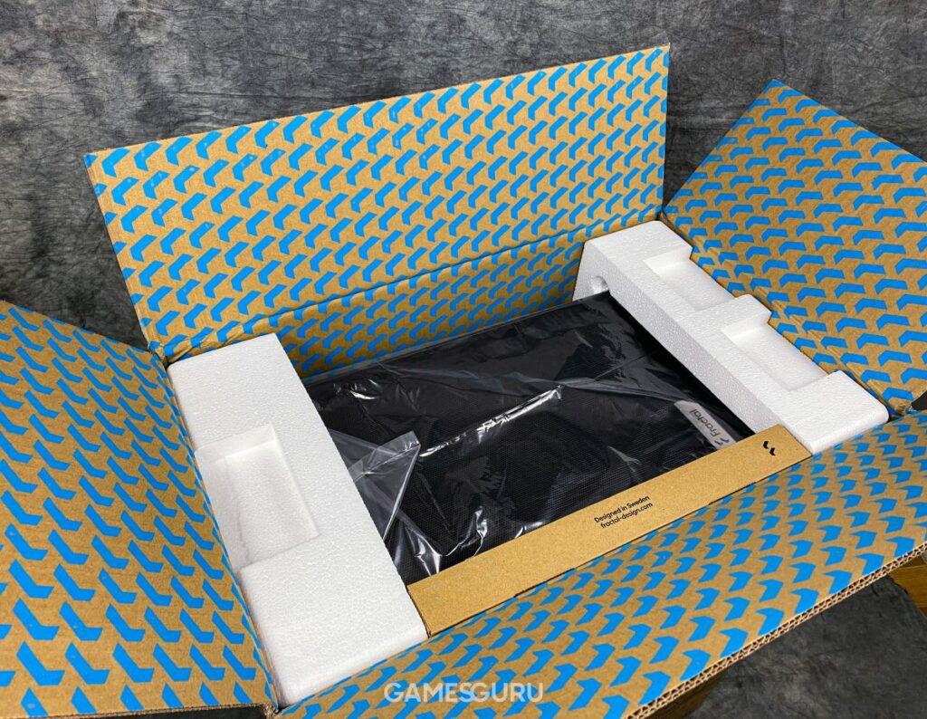 Karton Fractal Design Meshify 2