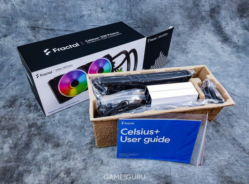Wnętrze pudełka Fractal Celsius+ S28 Prisma