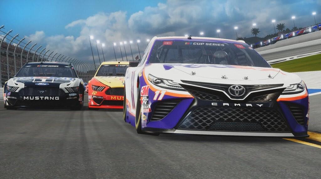 Rozgrywka w NASCAR Heat 5