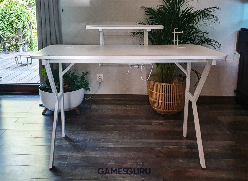 Przednia część biurka Genesis Holm 320 RGB White