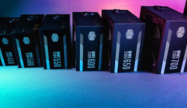 Seria zasilaczy Cooler Master MWE White v2 230V