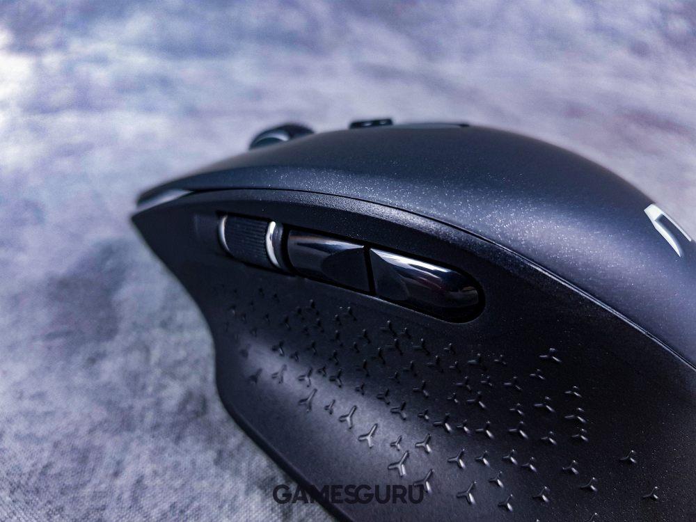 Widok boczny na mysz Natec Falcon