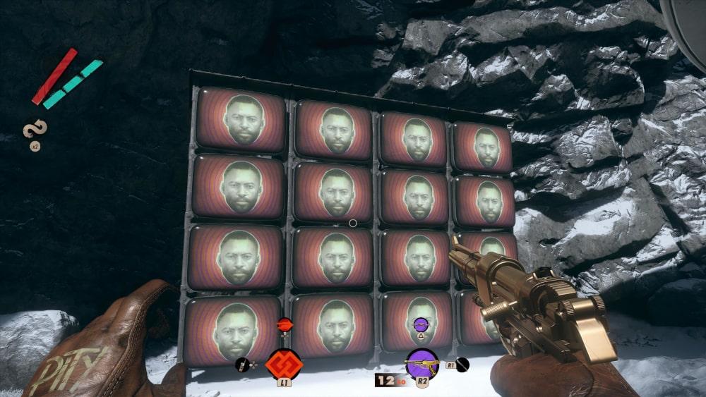 Monitory z twarzą Colta na ekranach
