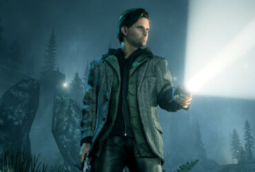 Postać z latarką z gry Alan Wake Remastered